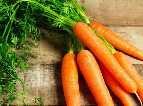 Dùng chung cà rốt và kiwi có thể gây mất tác dụng của nhau