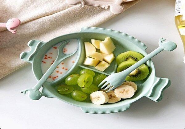 Không nên cho trẻ dưới 8 tháng tuổi ăn kiwi