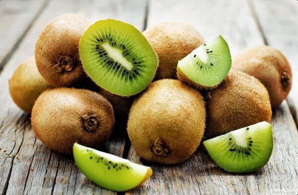 Kiwi giúp cải thiện thị lực