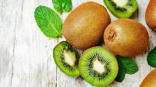Kiwi rất giàu vitamin C và vitamin K