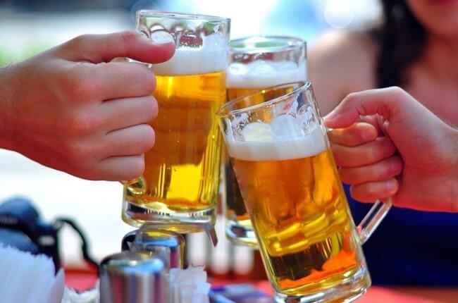 Rượu bia là gia tăng nguy cơ mắc bệnh gout