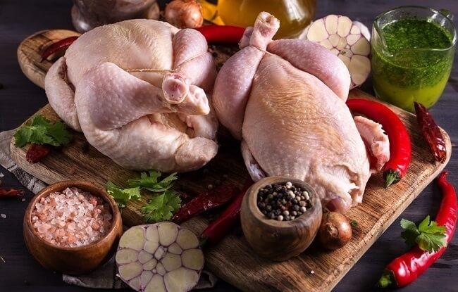 Người bệnh gout có thể ăn được thịt gà