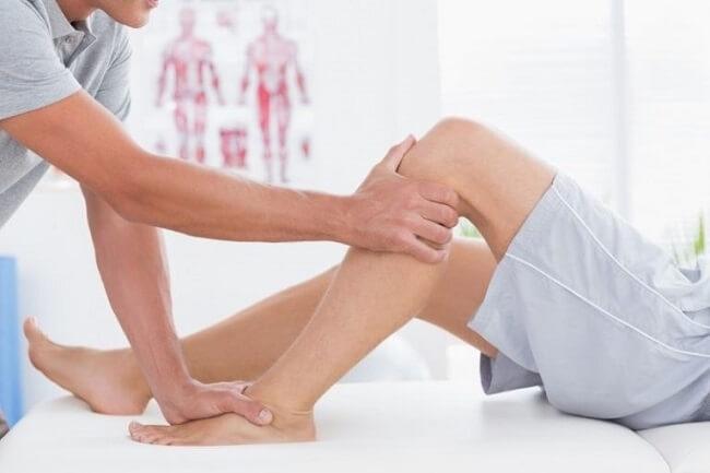 Xoa bóp cho người bệnh gout
